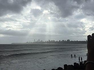 Marine Drive, Mumbai - Dark sky, falling light on the city mumbai.