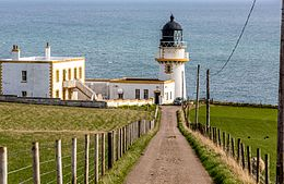 Todhead Point Lighthouse (13795090983).jpg