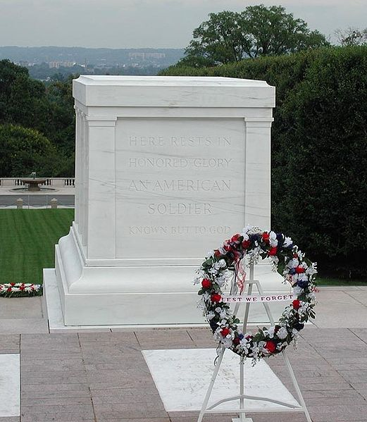 Ficheiro:Tomb of the Unknowns2.jpg