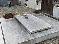 Tombe de la Mère Brazier au Mas Rillier - 2.JPG