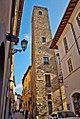 Torre della famiglia banderara dei Barbarasa.jpg