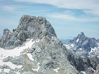 Torre Cerredo mountain