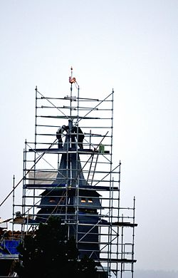 Tostes (church roof being repaired).JPG