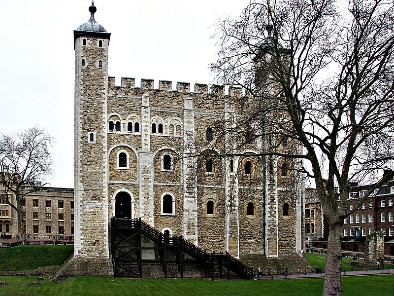Fil:Tower of London - by Aaron Headly.jpg