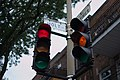 Traffic lights in the inserction of Avenue Lorimier and Rue des Carrières, Montreal.jpg