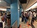 Trajno de limo kun ĉeftero ĉe Ŝenĵeno al la Centro (Honkongo) 10.jpg