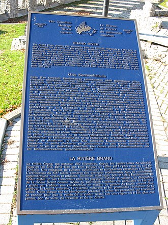 Grand River (Ontario) - Plaque by the river bank in Cambridge, Ontario, written in English, Mohawk, and French