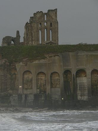 Tynemouth Castle and Priory - Tynemouth Priory viewed from Tynemouth pier shows the strategic and dramatic nature of its headland setting