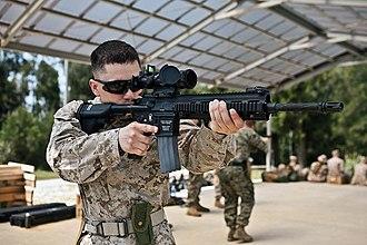M27 Infantry Automatic Rifle - Image: USMC 120427 M SR181 035
