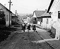 Ulica Podhradská (Várfelső utca) az ulica Hlavná (Fő utca) felé nézve. Fortepan 53958.jpg