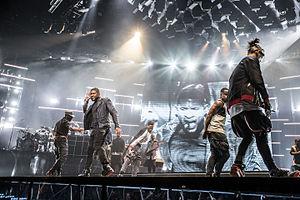 UR Experience Tour - Usher performing in San Jose