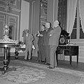 Van links naar rechts Jhr. Willem Sandberg, Mr. H.W.A. Heldring en Ir. Vincent …, Bestanddeelnr 254-3810.jpg