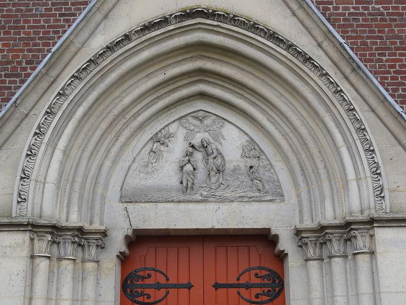Vendeuil (Aisne) église extérieur, tympan