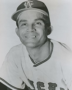 Vic Davalillo 1968.JPG