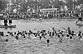 Vijfentachtigste Varsity op Amsterdam-Rijnkanaal. Lage oude vier won hoofdnummer, Bestanddeelnr 921-3205.jpg