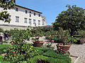 Villa corsini di mezzomonte, giardino all'italiana, terrazza inferiore 07.JPG