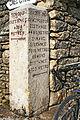 Villaines-en-Duesmois FR21 borne IMG3961.jpg