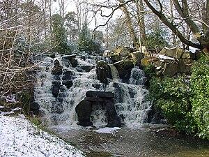 Virginia Water Lake - Image: Virginia Water Lake waterfall 1
