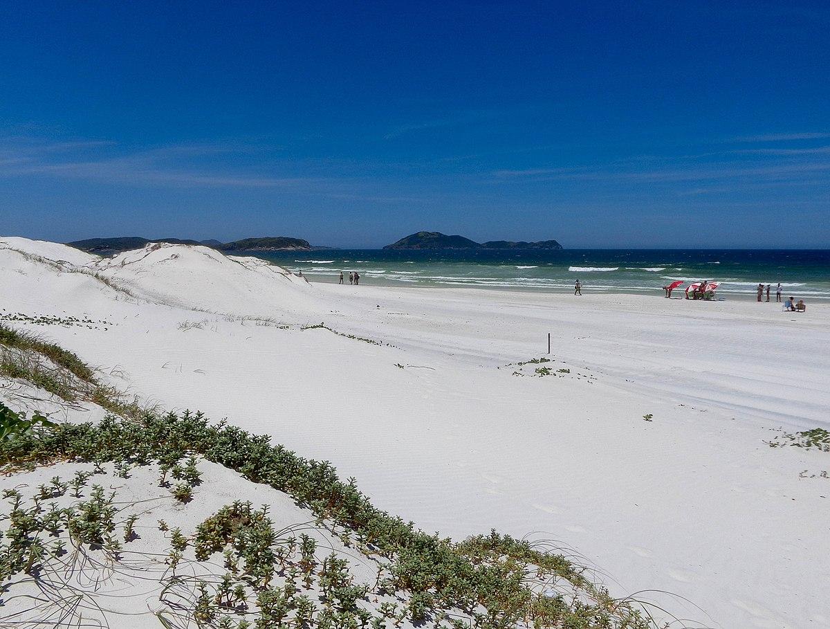 Vista da Praia das Dunas, Cabo Frio em 2015.jpg