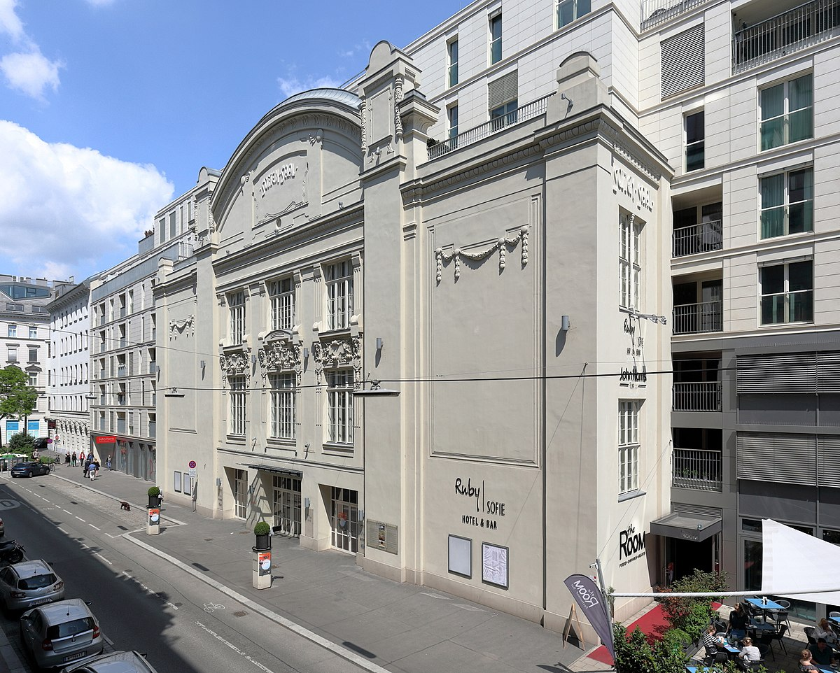 Px Wien Sofiens C A Le on Family House 1900
