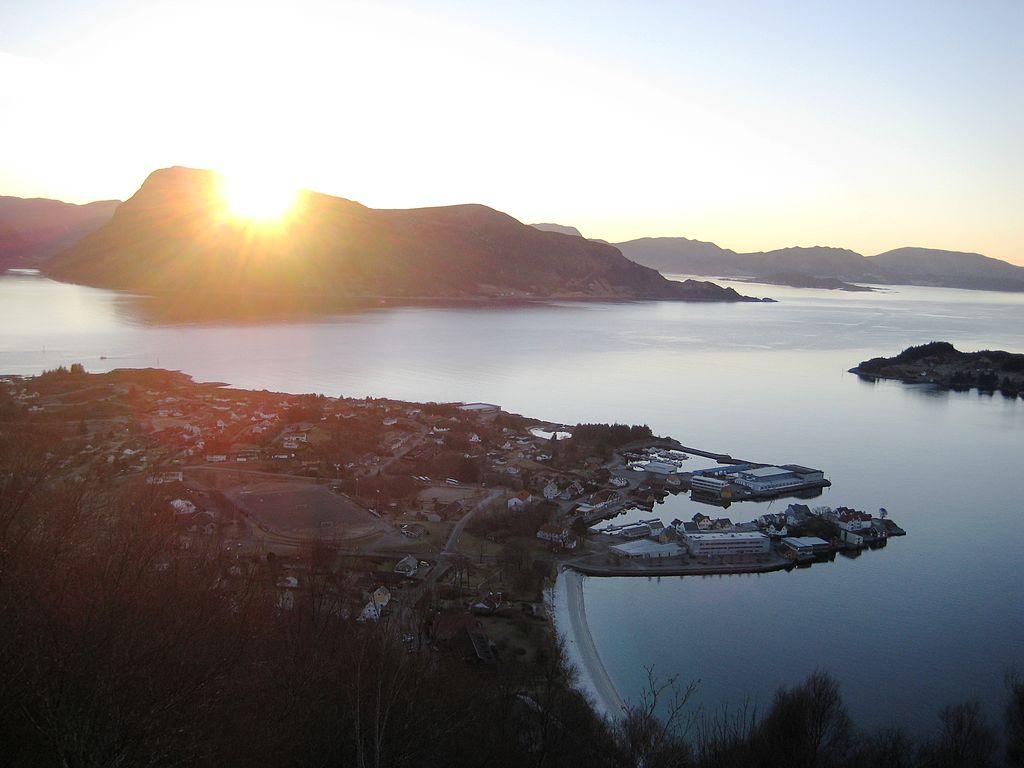 Solnedgang over Barmøy. Foto: Eli Eide Årevik/CC BY-SA 3.0-lisens