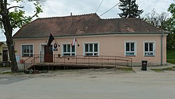 Wikiměsto Hustopeče 20150509 Dolenice 3159.jpg