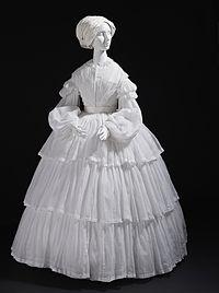 Woman's muslin dress c. 1855.jpg