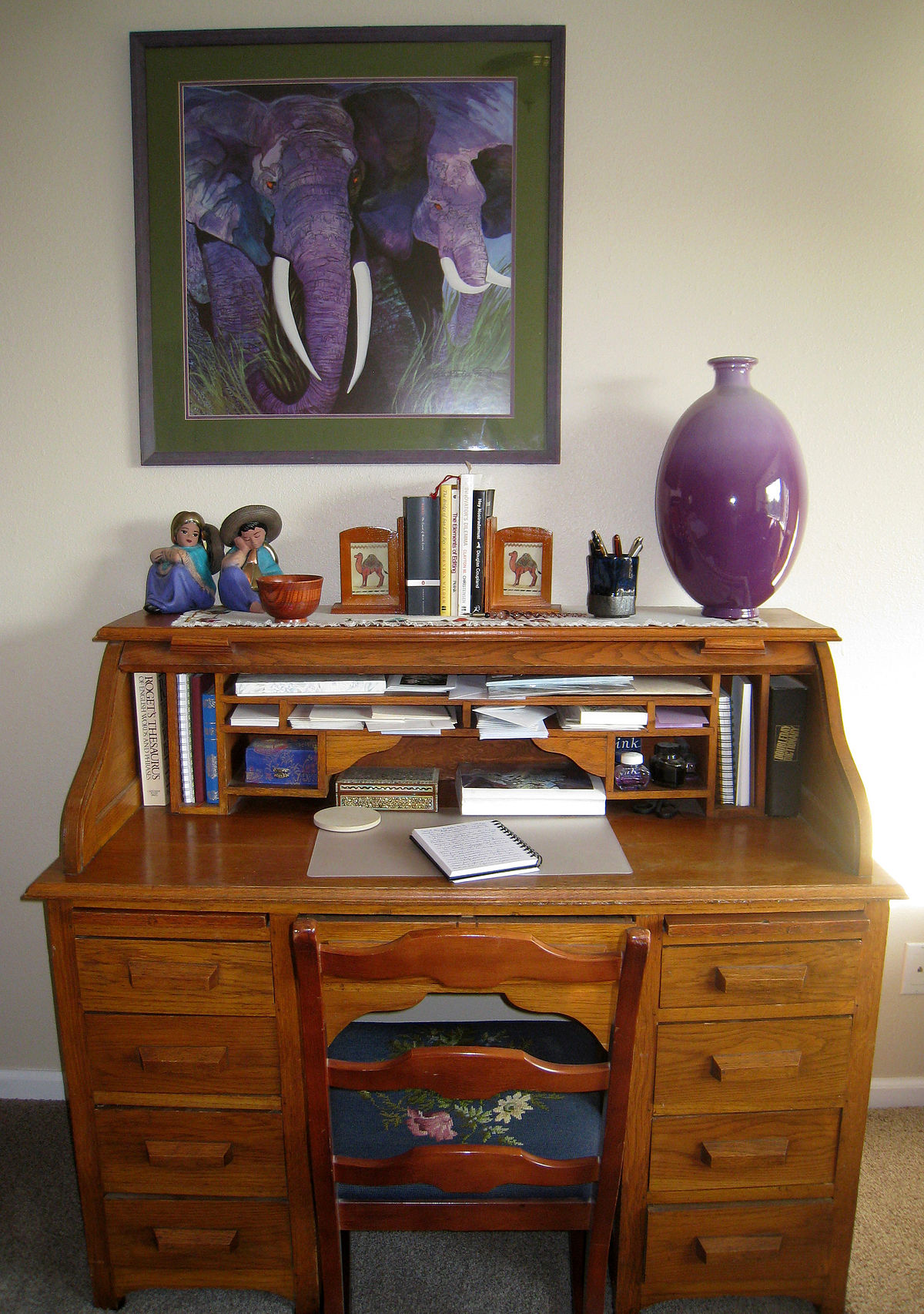 Desk wikipedia for Bureau table