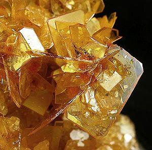 Wulfenite-Mimetite-283267.jpg