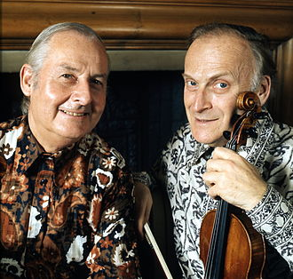 Yehudi Menuhin - Stéphane Grappelli (left) with Menuhin in 1976