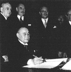 Shigeru Yoshida - Prime Minister Yoshida signs the US-Japan Security (1951)