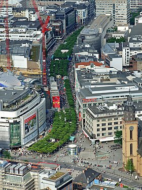 Shoppingstråket Zeil i centrala Frankfurt am Main.