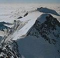 Zumsteinspitze von der Dufourspitze.jpg