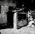 """Paišt"", sušilnica za sadje. Spodaj žekno za kurjenje, znotraj mreže, pri Starešinovih, Sanabor 1958.jpg"