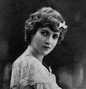 Ève Lavallière - Ève Lavallière Circa 1890