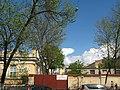 Больница св. Марии Магдалины, ограда и сад за ней.jpg