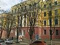 Корпус 2 Днепропетровского национального университета - panoramio.jpg