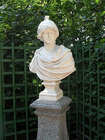 Бюст Александра в Летнем саду.