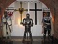 Рыцарский зал. Реконструированные рыцарские доспехи.3.jpg