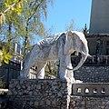 Слон перед дачей Головкина (левый).jpg