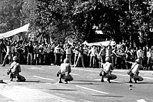 Manifestants et forces de police le 8 septembre 1978.