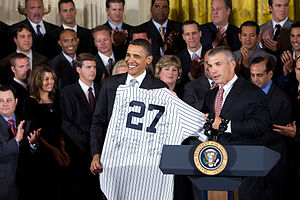 English: Joe Girardi presents President Barack...