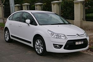 2010 Citroën C4 (MY09) Exclusive hatchback (2015-07-09) 01.jpg