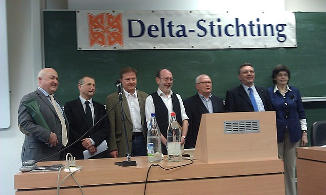 De Benoist (centre) at the Delta Foundation symposium of Antwerp in 2011. 20110402 Alain de Benoist.jpg