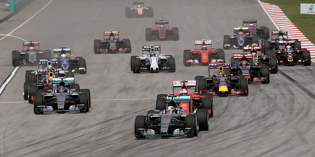 2015 Malaysian GP opening lap