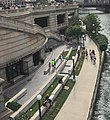 2016 Chicago River IMG 5891 (closeup on Riverwalk).jpg
