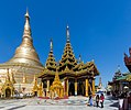 2016 Rangun, Pagoda Szwedagon (017).jpg