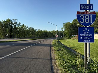Interstate 381 and State Route 381 (Virginia) - View north at the south end of I-381 at Church Street in Bristol