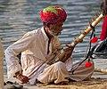 20191207 Street musician in Udaipur 1511 7249 03.jpg