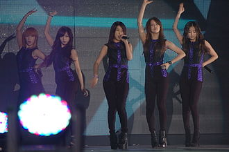 4Minute - 4Minute appearing on stage in March 2012